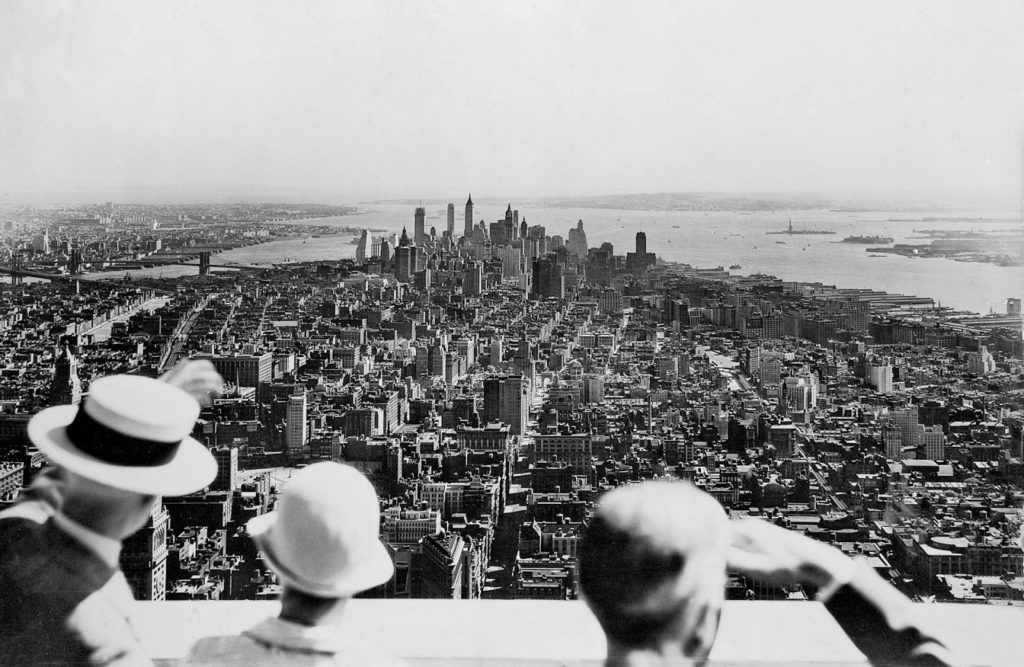 inauguration Empire State Building, 1931.jpg