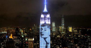 Des icônes de la mode projetées sur l'Empire State Building