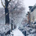 New York accueille le printemps sous une épaisse couche de neige