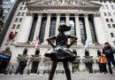 """La """"Fearless Girl"""" fait maintenant face à la Bourse de New York"""